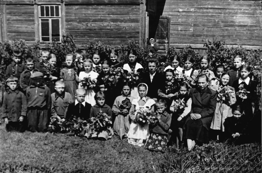 учителя Рубцов Дмитрий Павлович и Зайцева Нина Григорьевна.