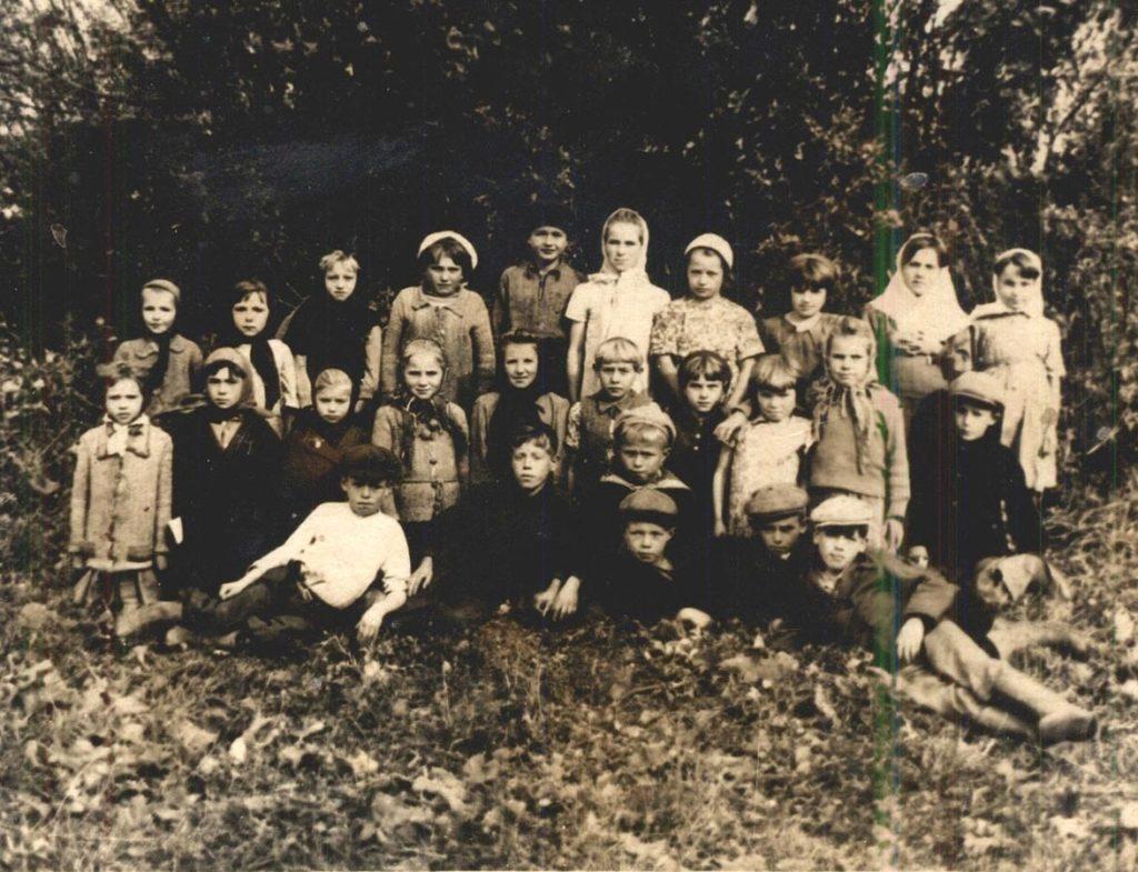 Учащиеся начальной школы с. Величково