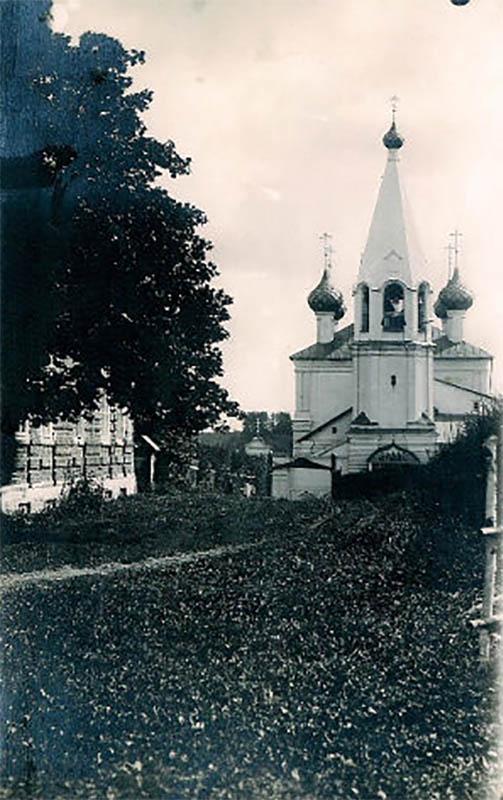 церковь Дмитрия Солунского в селе Стогинском