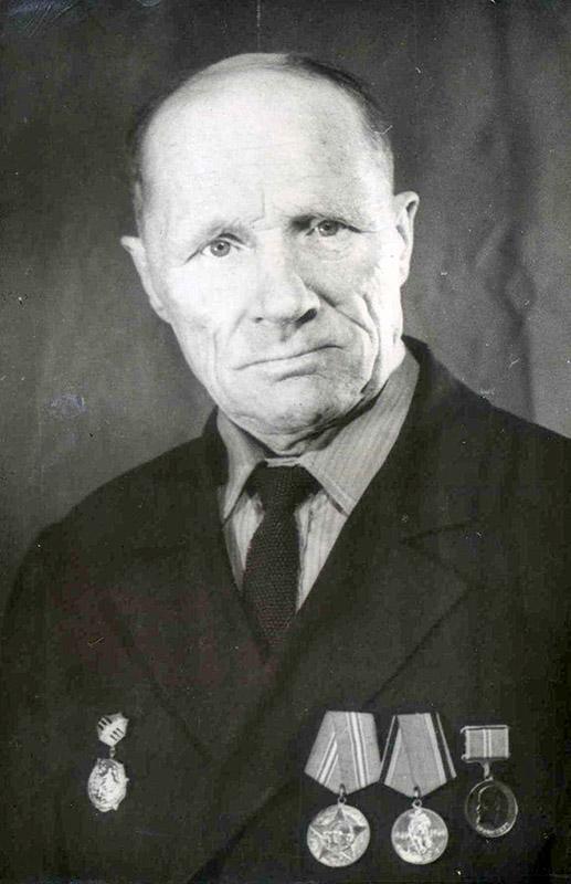 Абрамов Леонид Дмитриевич